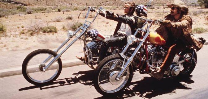 """Para empezar el fin de semana a lo grande, Las Tarantino queremos felicitar a JOHN KAY de STEPPENWOLF. ¿Quién no ha escuchado """"Born to Be Wild""""?? (que apareció en la película de Dennis Hopper, Easy Rider). Feliz Vida a todos, ¡¡be WILD!!"""