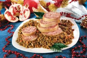 piatto-pronto-lenticchie-zampone-collana-rossa-melagrana-decorazione-capodanno